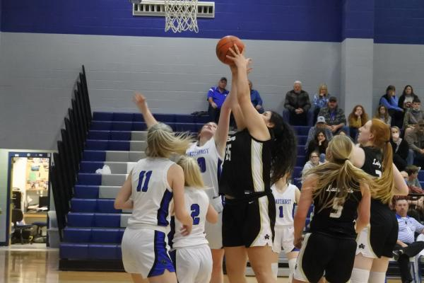 Archer City's Bailey Grant recorded her second-straight 20-point performance as the Lady Cats toppled rival Windthorst, 55-21, on Tuesday, Jan. 5. (Photo//Will Edwards)