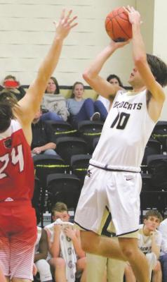 Walker Kulhanek pulls up for a jumper in Archer City's 68- 47 win over Olney on Friday, Jan. 15. Photo/Jerry Phillips